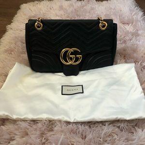 Gucci marmont medium bag